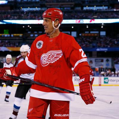 Cover art for How Chris Chelios helps Detroit Red Wings
