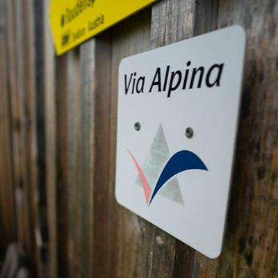 CIPRA Podcast - Interviews, background talks and voices from all Alpine countries: Listen to this and more in the podcast of the International Commission for the Protection of the Alps.