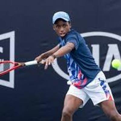 Cover art for SA Young Tennis player KHOLO MONTSI chats On The LowDown With Noah #FrenchOpen