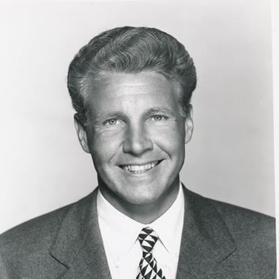 Ozzie Nelson On Answering Advice Letters