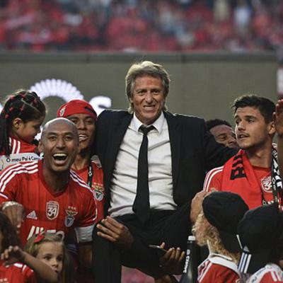 Cover art for Podcast: Will Jorge Jesus Return to Benfica? Are Big European Clubs Noticing Ruben Amorim? Will Porto Wrap Up Title This Week? EURO 2016 Memories