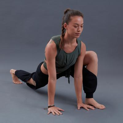GENTLE YOGA hip opening for the time starved