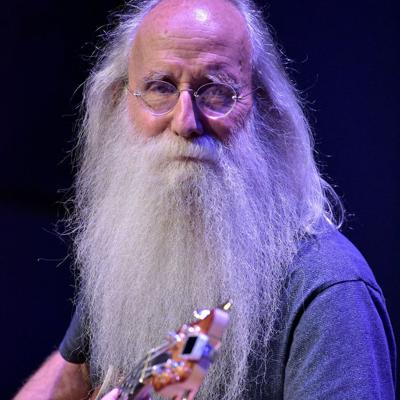 Cover art for Legendary bass and session player Leland Sklar talks about his amazing career and his book on The Mike Wagner Show!