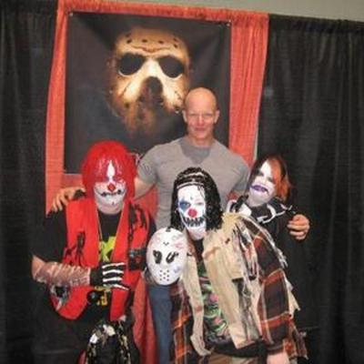 Chuckles The Klown brings you the best in Comics, movies, horror Pop-culture & more. http://chucklesandlaughs.com