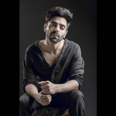 Cover art for Aparshakti Khurana In A Fun Conversation Sharing Talks About His Life & New  Release Ghanta On IndiaPodcasts