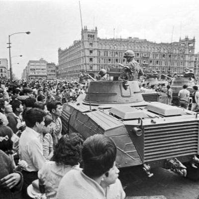 Historias 132 - William Booth on Latin America's Cold War, and the Political Left