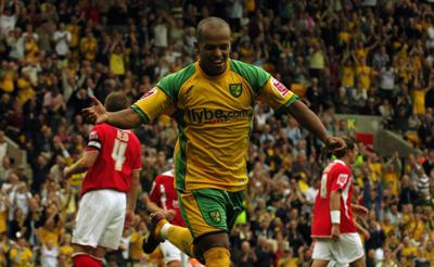 Cover art for 203: Robert Earnshaw | My Norwich City Story