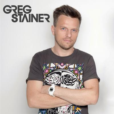 One half of the multi award winning electronic music duo HOLLAPHONIC & Radio 1 UAE presenter Greg Stainer sums up another month in the world of house music in this 120 minute exclusive podcast series for Emirates      www.gregstainer.com www.hollaphonic.com  www.facebook.com/gregstainerofficial  www.instagram.com/gregstainer www.twitter.com/gregstainer